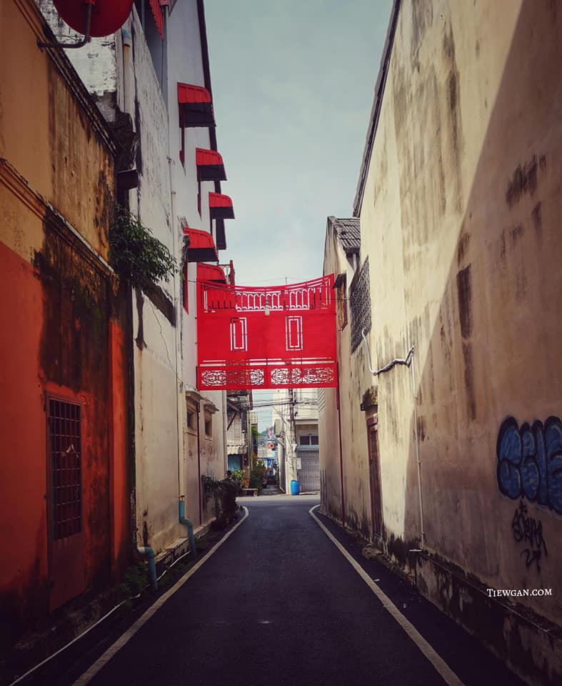 ถนนในย่านเมืองเก่าเป็นถนนแบบเดินรถทางเดียว oneway