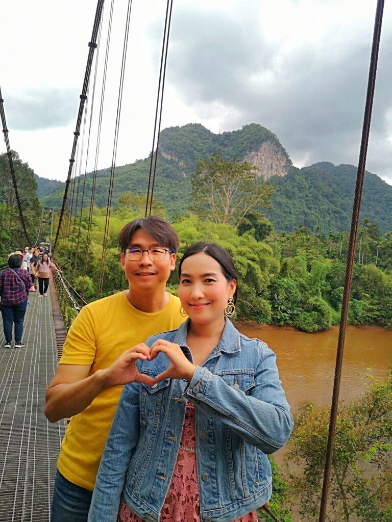 สะพานแขวนเขาพัง และภูเขารูปหัวใจ แหล่งเช็คอินถ่ายรูปสวย