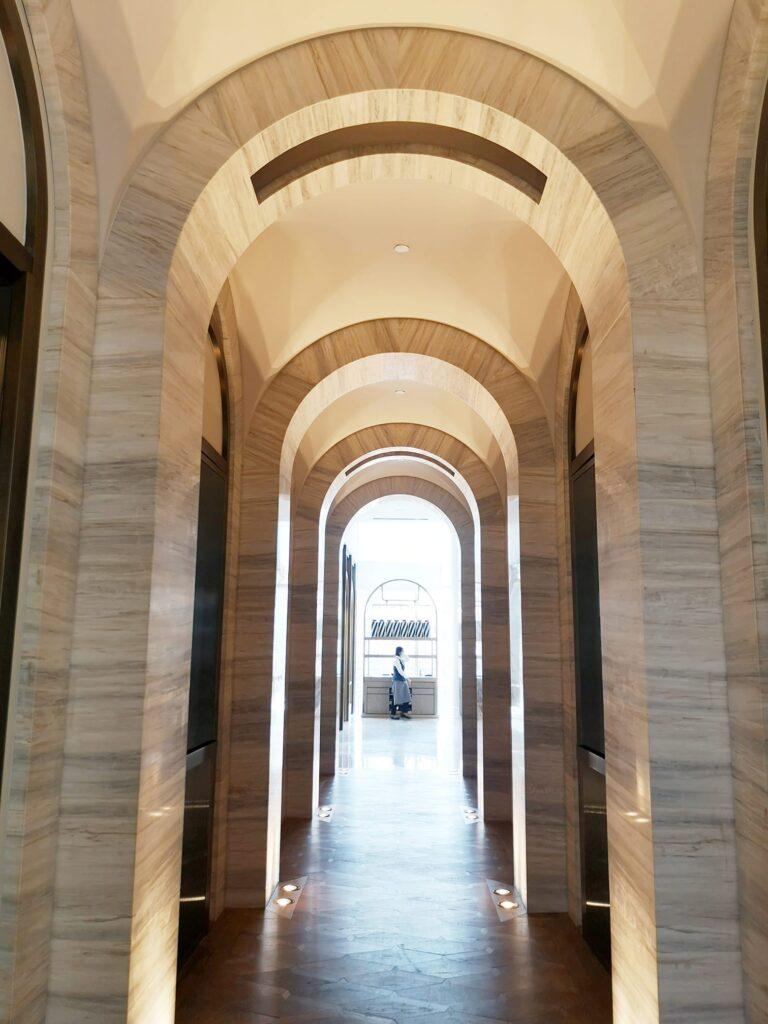 ห้องอาหาร The Brasserie โรงแรม Waldorf Astoria Bangkok