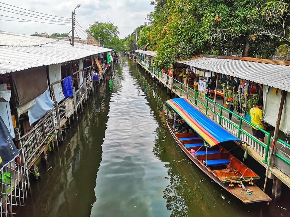 ตลาดน้ำคลองลัดมะยม (Ladmayom Floating Market)